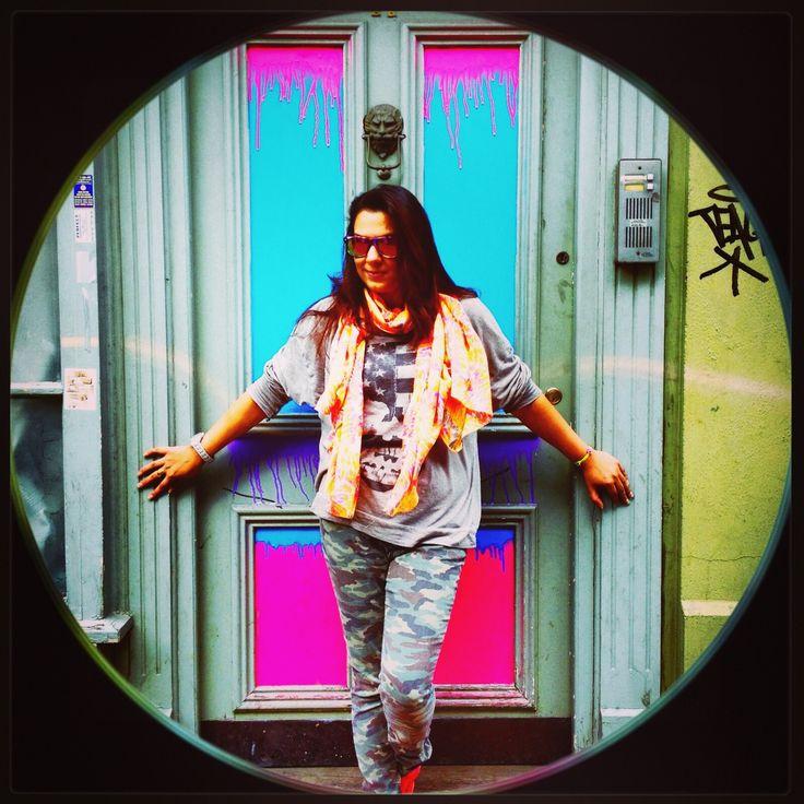 Neon Dripping paint door. Neon planes scarf