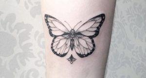 blackwork-butterfly-tattoo