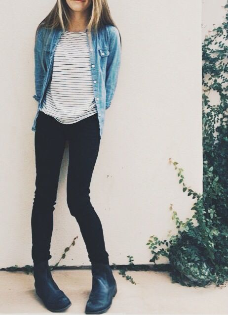 Stripes denim shirt skinny jeans black and chelsea or jodhpur boots