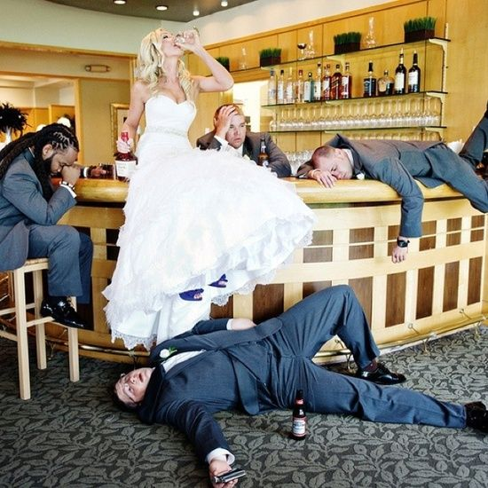 must have wedding photos | Must Have Wedding Pictures / Funny and original bride with groomsmen ...