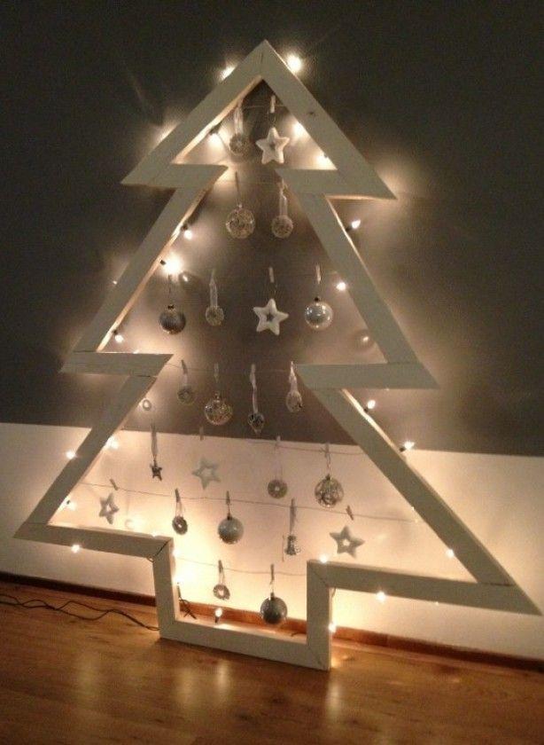 Zelf gemaakt deze kerst! Gewoon met houten latjes, ijzerdraad, verf en wat geduld!