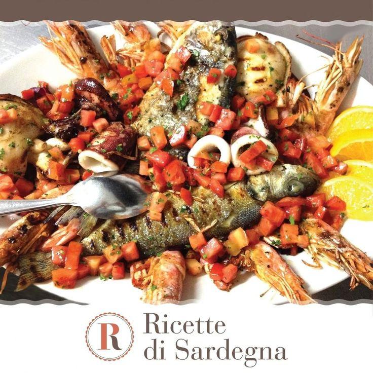 """""""Mi piace"""": 17, commenti: 2 - Ricette di Sardegna (@ricettedisardegna) su Instagram: """"La grigliata mista di pesce è un piatto ricco che rivela tutto il gusto del mare. In questa ricetta…"""""""