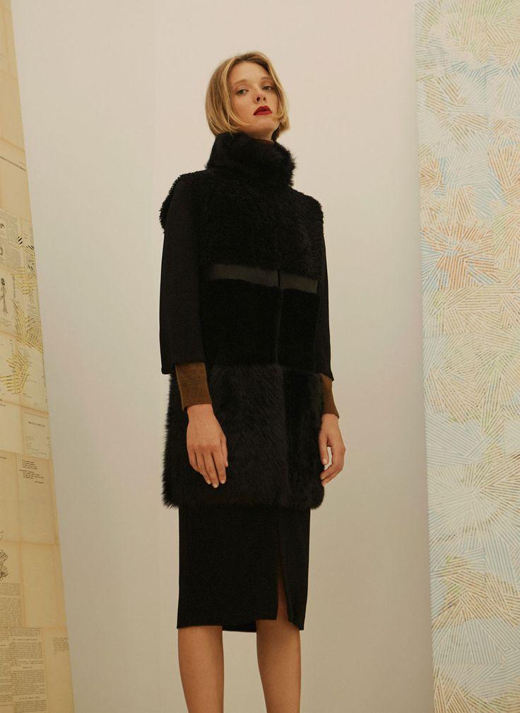 Double-faced waistcoat - Leather - Ready to wear - Uterqüe Netherlands
