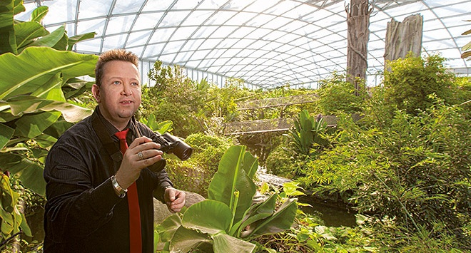 """Gondwanaland: Leipzig Zoo has created a unique tropical experience where visitors can see around 90 different kinds of exotic animals and 500 plant species under one roof. The musician Sebastian Krumbiegel (""""Die Prinzen"""") embodies Leipzig's creative potential like almost no-one else."""