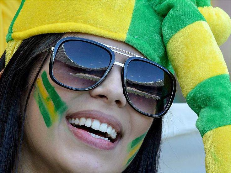 http://futbolyellas.co/las-hinchas-mas-lindas-del-brasil-2-1-colombia/