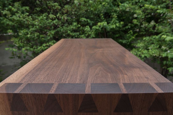 BROWN&BROWN BOOKSHELF - material : walnut .: dovetails joint by hand tools