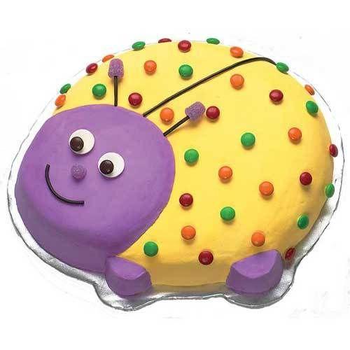 Molde para tarta con forma de mariquita  #reposteriacreativa #fondant #cupcakes #cortapastas #wilton #instacakes #fondantcakes #birthdaycake #birthdaycakes #tartadecumpleaños #tortadecumpleaños