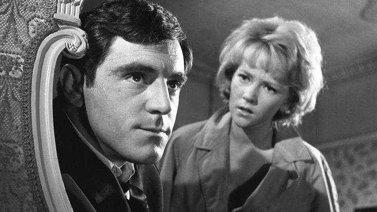 Anthony Newley and Julia Foster in The Small World of Sammy Lee. 1963