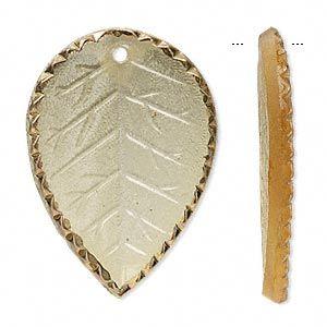 Фокусное, чешское прессованное стекло, меда и золота, 36x26mm листьев. Продается в уп 2.