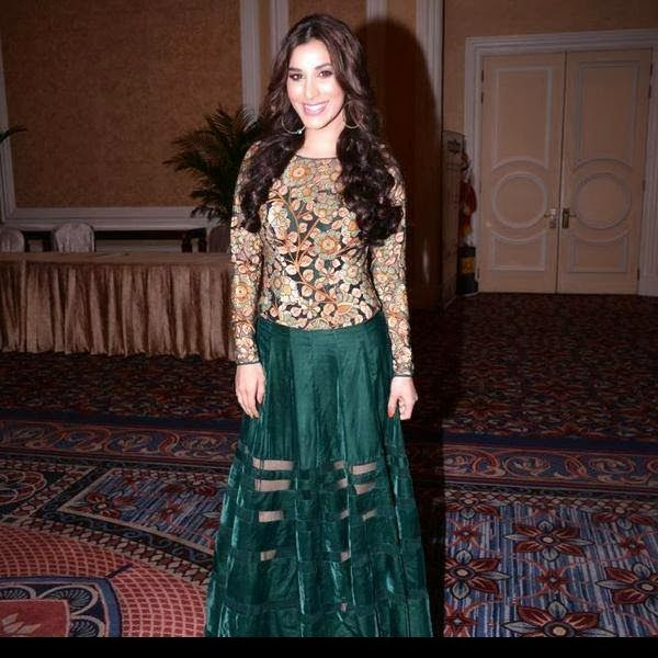 #SophieChoudary in Embroidered #Lehenga