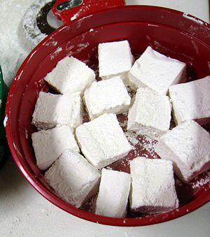 hmmm, who would have thought you could make your own marshmallows!