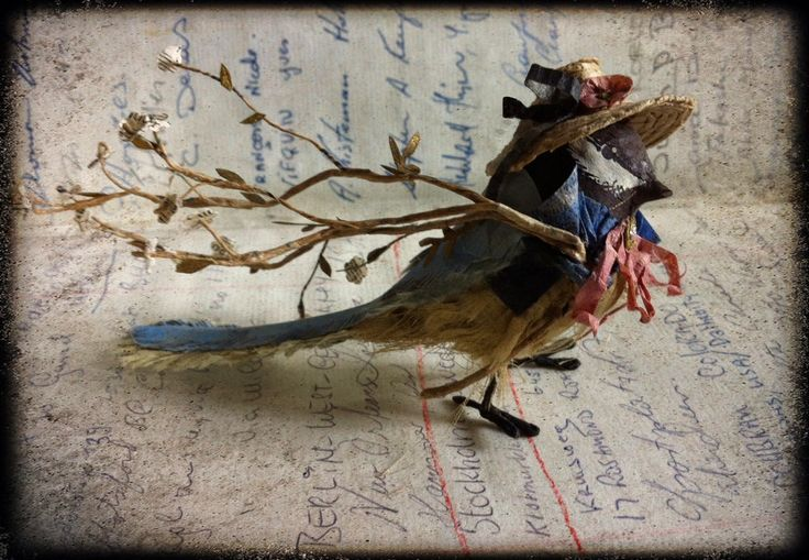 Mésange bleue, sculpture en papier, 12x7cmBlue tit, paper work, 12x7cmdisponible, available.Informations: missclara@free...