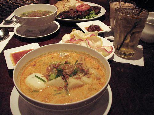 indonesian dinner,buntut goreng & lontong sayur betawi at warung kopi, alun-alun indonesia, grand indonesia