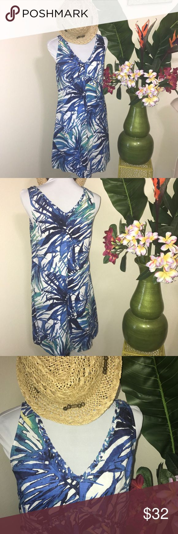 Tommy Bahama NWOT linen palm print dress size 6 Tommy Bahama tank dress from the outlet size 6 linen Palm prints in blue and green shades on white background. See the details in the stitching on the neckline, reminiscent of many Tommy Bahama style's. Save money with bundle purchases from my closet. Tommy Bahama Dresses Midi