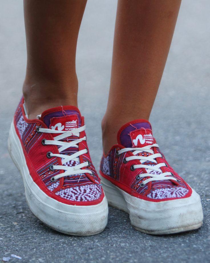 Christina rocking the Noodles Jet platform inka red #sneakers