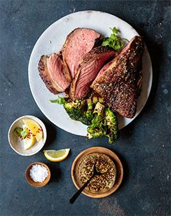 SOY & SESAME PICANHA  WITH BROCCOLI - Banters at your braai? This Steakhouse Classic picanha with broccoli and Asian dressing is a definite winner.