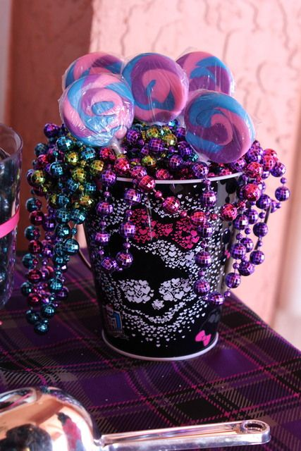 Monster High Scare-Riffic Party & Fashion Show | CatchMyParty.com