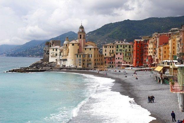 De Riviera di Levante, ten oosten van Genua, staat vooral bekend om haar kleine vissersdorpjes, zoals het kleurrijke Camogli. Ga je met ons mee op reis?