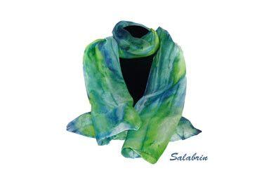 Seidenschal in 45 x 140 cm. Weicher Schal in 100% Seide. Seidenschal / Damen Schal in blau grün. http://de.dawanda.com/product/105433491-schal-blau-gruen  - ein Designerstück von Salabrin bei DaWanda