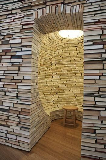 Book room! This is so cool. I mean obviously they had a lot of time on their hands, soo cool.