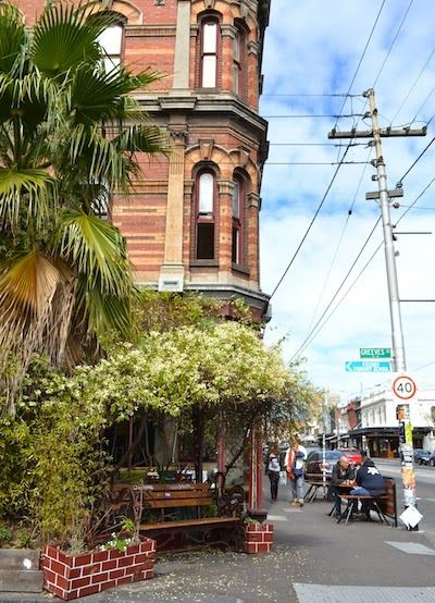 Offspring tour of Fitzroy, Melbourne   The World is Waiting