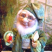 Купить или заказать кукла ОЛЕ ЛУКОЙЕ (текстильная) в интернет магазине на Ярмарке Мастеров. С доставкой по России и СНГ. Срок изготовления: 2 недели. Материалы: ткань, колготки, кожа искусственная,…. Размер: 37 см <br /> с зонтиком 41