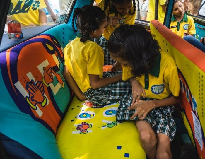 The cab was viewed by hearing impaired children from Rotary Sanskardham Academy. Images courtesy of TaxiFabric/Facebook.