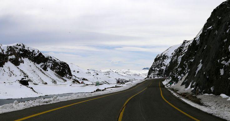 Llegando a Laguna del Maule, Región del Maule, CHILE