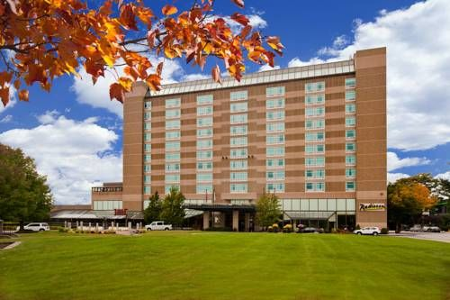 Radisson Hotel Manchester Downtown (700 Elm Street) This downtown hotel is located across from the Verizon Wireless Arena and just 5 miles to the Manchester Boston Regional Airport. Free shuttle service is provided to the airport. #bestworldhotels #hotel #hotels #travel #us #newhampshire