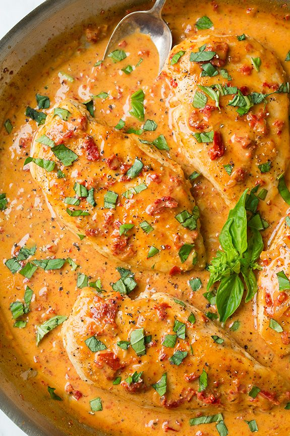 You can never have too many easy chicken recipes for a quick weeknight meal! The great thing about this Skillet Chicken with Creamy Sun Dried Tomato Sauce