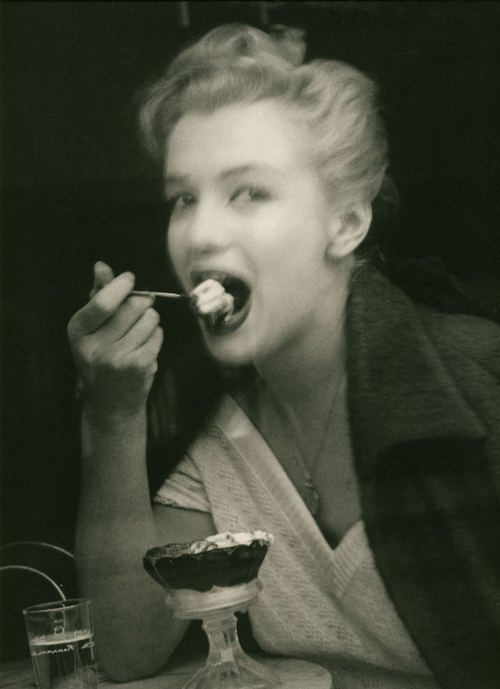 Marilyn Monroe by Andre de Dienes.: Everyday People, Real People, Marilyn Monroe, The Other, Norma Jeans, Marylin Monroe, De Dien, Ice Cream Parlor, Colleges Books