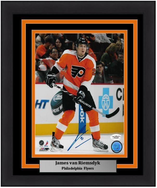newest 59d11 fe4fa Philadelphia Flyers James Van Riemsdyk On the Ice ...