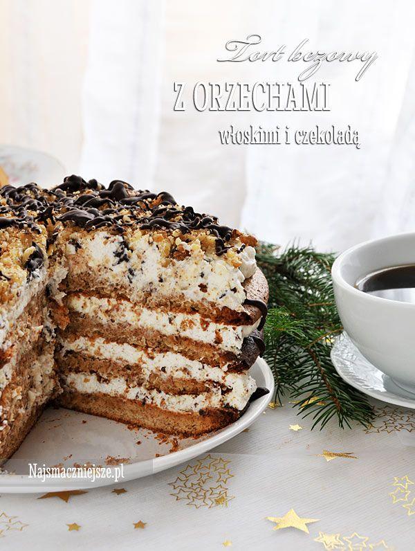 Beza z orzechami, kremem i czekoladą, to idealna przepis na ciasto świąteczne. Tort bezowy z orzechami włoskimi jest delikatny i puszysty, a wszystkie składniki pasują do siebie idealnie. Bezy polecam upiec na kilka dni przed świętami, a przełożyć kremem dzień przed. Smacznego! Składniki: Beza: 6 białek (ok. 180 g) 250 [...]
