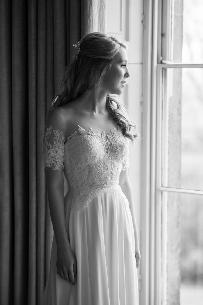 Elegant Classic Wedding at Babington House in Somerset | Green colour scheme | Sarah Seven Lace Illusion Neck Wedding Dress | Photography by Especially Amy | http://www.rockmywedding.co.uk/charlotte-gerard/