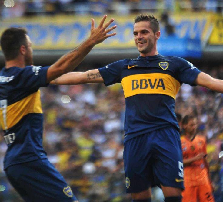 Con un tanto de penal de Fernando #Gago y un doblete del juvenil Palacios, Boca Juniors derrotó a Olimpo Bahía Blanca por 3 a1.