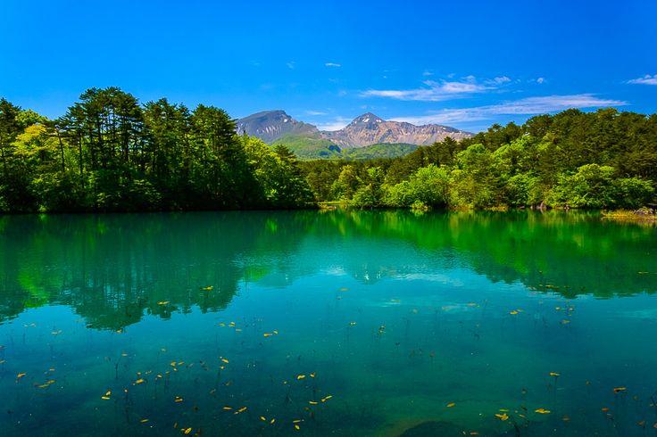 毘沙門沼(福島県北塩原村桧原)※裏磐梯の五色沼の一つ。