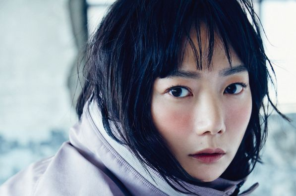 The full fashion spread and the interview with Bae Doona can be found in the July issue of Elle Korea. Description from soompi.com. I searched for this on bing.com/images