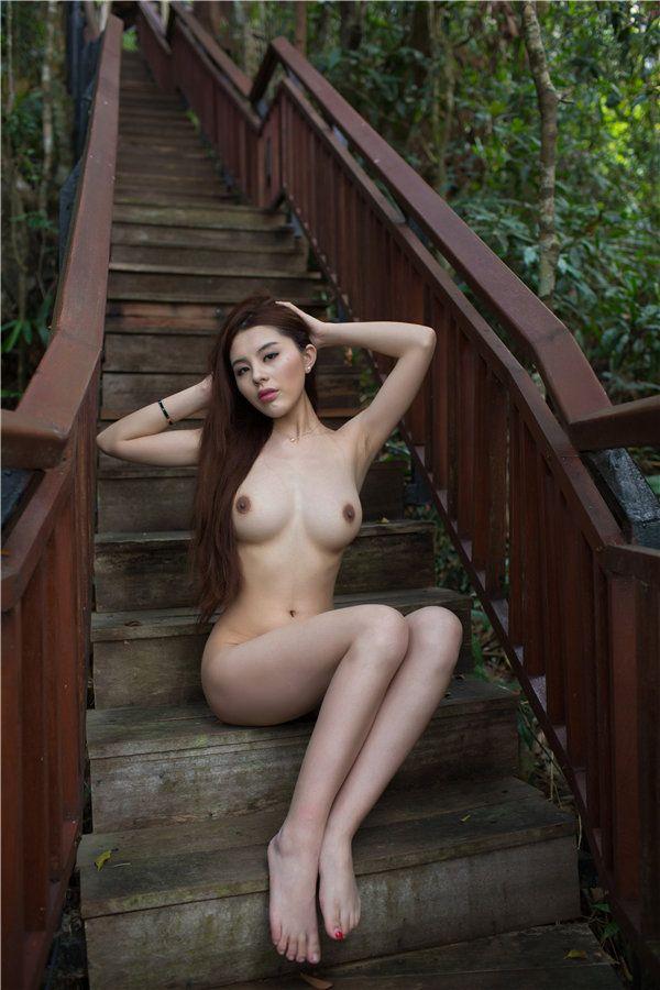Topic maen porslin modell naken thanks