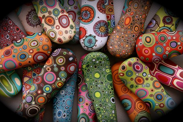 pie server handles (detail) from Bull's Eye Studio. Wow, such an explosion of color and design! So much fun! #polymerclay #bullseyestudio