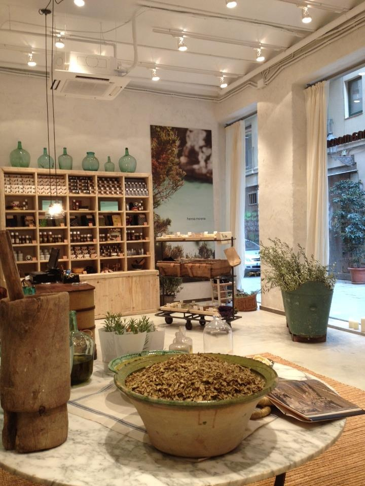 Henna Morena store in Barcelona. Recently created a hair line for henna lovers. Try the magic and feel the results