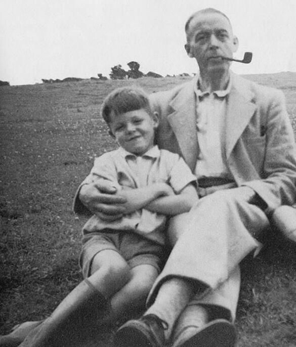 PAUL McCARTNEY WITH HIS FATHER,1940s