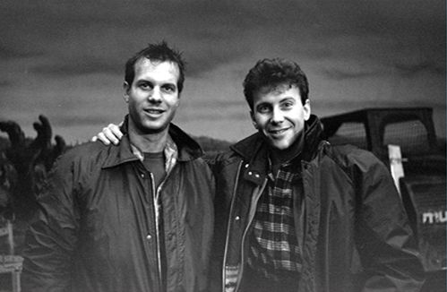 Bill Paxton & Paul Reiser behind the scenes on the set of #Aliens (1986)