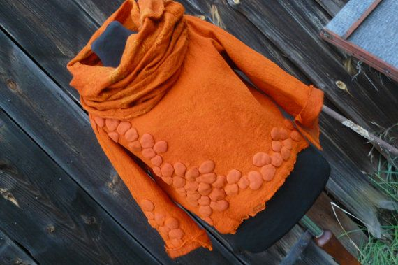 Love the style and colour! Handfelted short orange blouse with very by PrzystanekRekodzielo, zł480.00
