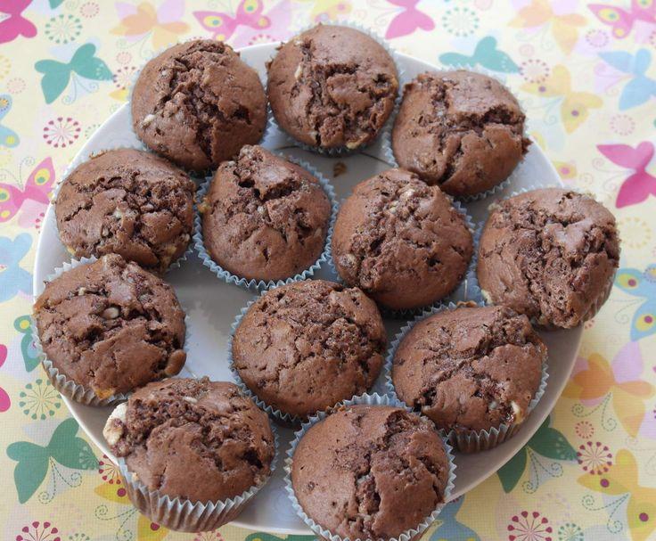 Rezept Muffins mit Kinderschokolade von mafrajo - Rezept der Kategorie Backen süß