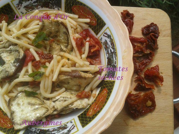 Salade de p�tes  aux aubergines grill�es et tomates s�ch�es