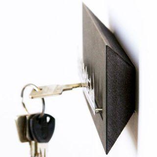 Schlüsselbrett mit Edelstahl-Silhouette