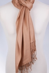 Bouffante, Pashima effen sjaal als omslagdoek, €6,95