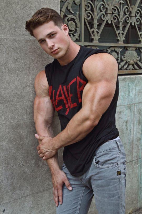 gang muscular