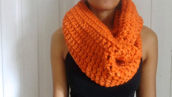 Handmade scarf by deorigenchile on Etsy