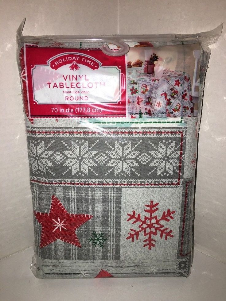 Winter Christmas Cardinals Reindeer Fox Patchwork Vinyl 70 Round Tablecloth NWT